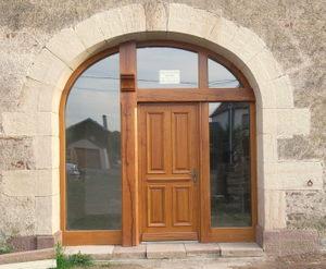 porte de grange et porte d'entrée